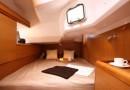sun_odyssey_44i_interior_02.jpg